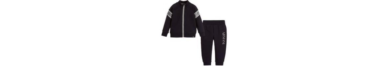 Tracksuits, Track pants & Jackets